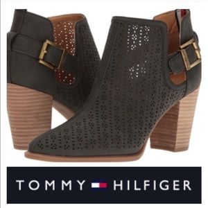 Tommy Hilfiger Neola 2 Black Ankle Booties